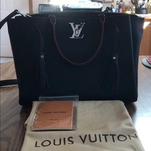 Louis Vuitton - Lockmeto Handbag - Leather